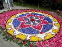 flower rug online puzzle