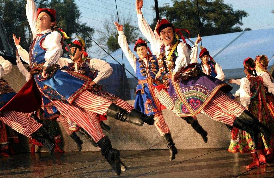 Conjunto de música e dança folclórica 'Mazowsze' quebra-cabeça