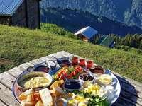 Tava cu aperitive în Hills